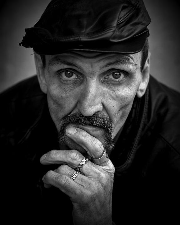 homeless-844206_960_720.jpg