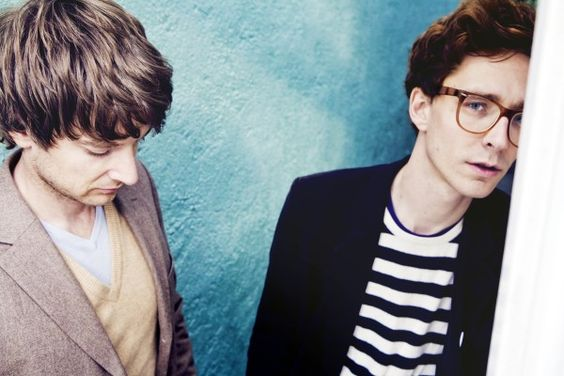 "Completamente apaixonada por ""Kings of Convenience"""